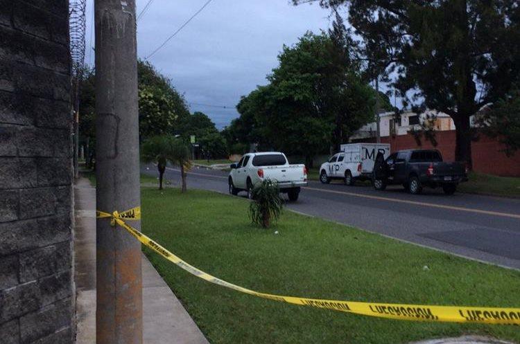 Las personas supuestamente fueron atropelladas durante la madrugada en la zona 11. (Foto Prensa Libre: @Oscar_gca)