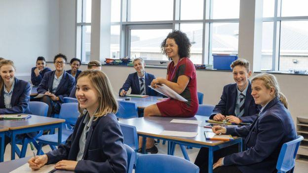 El método también hace un seguimiento de los casos y encuestas a final de año en la que los alumnos participan con sus opiniones. (Foto, Getty Images)