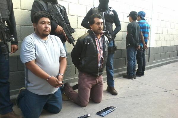 <p>Los detenidos portaban armas de fuego. (Por Hugo Oliva).</p>