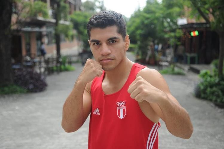 Michael Tello espera representar bien a Guatemala en el Mundial de Boxeo. (Foto Prensa Libre: Edwin Fajardo).