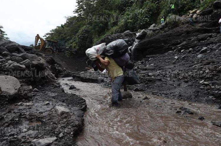 El cierre de la carretera ocasionará que pronto los pobladores no tengan artículos de primera necesidad para abastecerse. (Foto Prensa Libre: Esbin García)