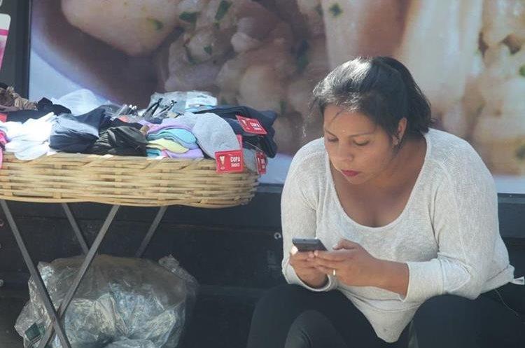 Algunas personas usan el celular solo para distraerse.