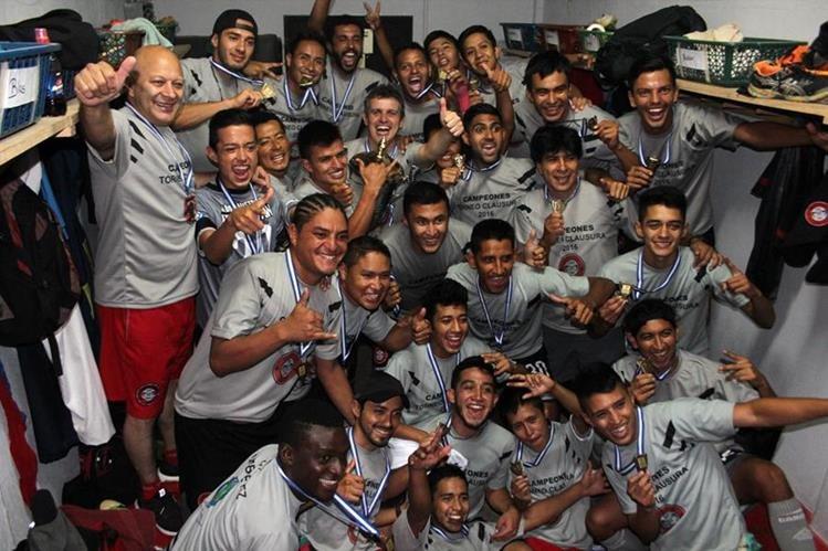Así festejaron el título en Carchá. (Foto Prensa Libre: Eduardo Sam)