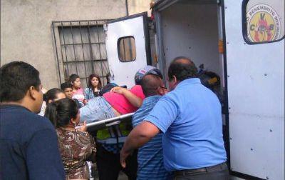 Un hombre murió y una mujer fue trasladada herida a un centro asistencial luego de un ataque armado ocurrido en la zona 1 de Villa Nueva. (Foto Prensa Libre: Municipalidad de Villa Nueva)