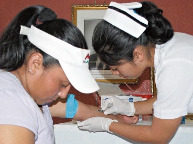 En Huehuetenango, las autoridades de Salud instan a la población a efectuarse pruebas de  VIH.