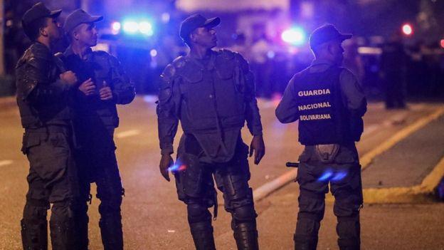 """El mandatario venezolano señaló que """"están desplegadas todas las unidades especiales de la Fuerza Armada Nacional para capturar este grupo"""". EPA"""