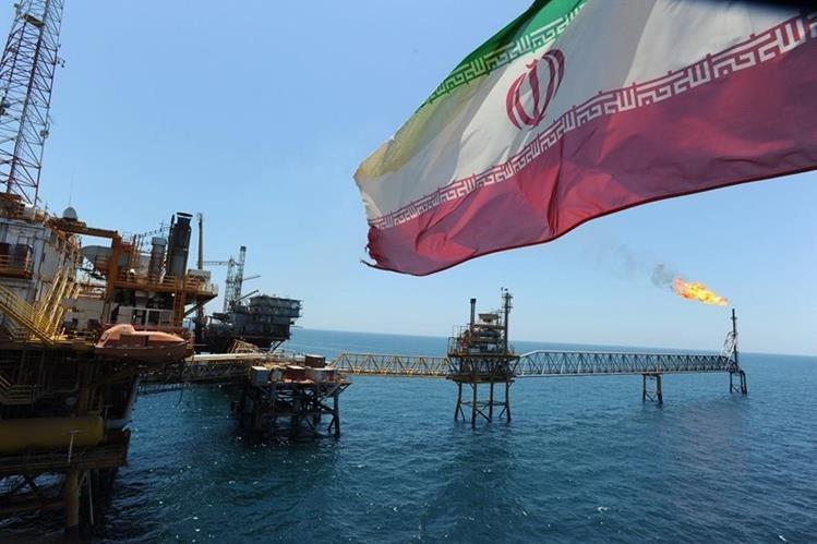 Las exportaciones de petróleo habían caído a 1 millón de barriles en diciembre de 2015 debido a sanciones. (Foto Prensa Libre: lapatilla.com)