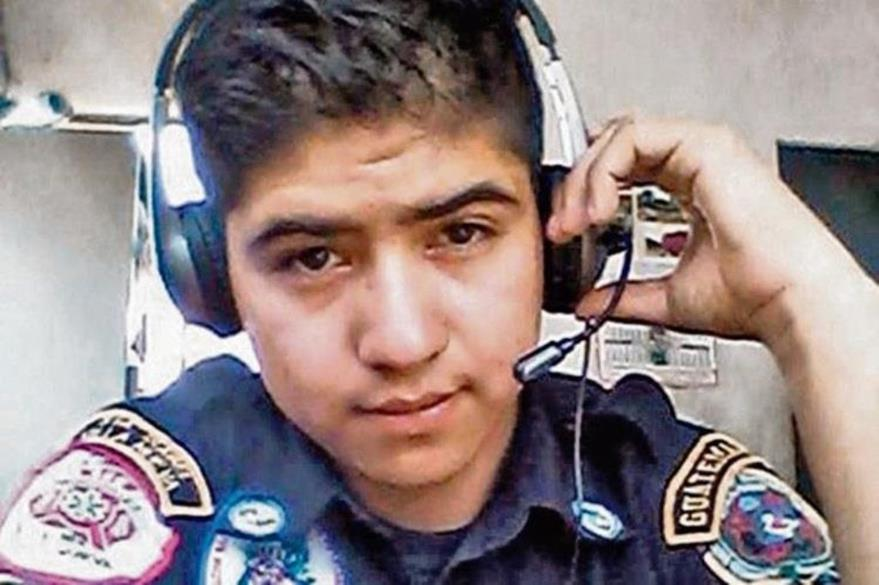 Érick Limatuj Castillo fue bombero durante dos años.