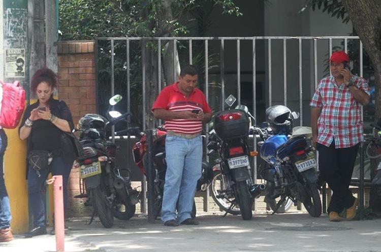 La mayoría de guatemaltecos tiene más de algún celular.