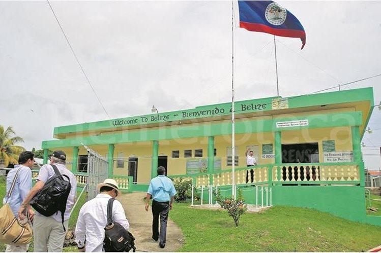 En 1991 Guatemala reconoció la independencia de Belice, pero le reclama varias islas, cayos y 12 mil 272 kilómetros cuadrados. (Foto Prensa Libre: Hemeroteca PL)