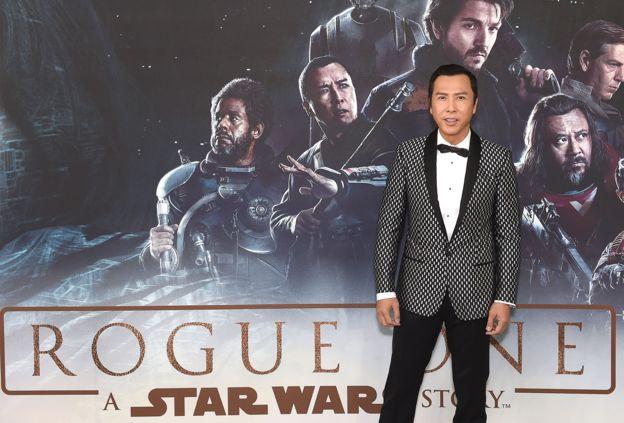 """Otra estrategia de las productoras de Hollywood es incluir actores chinos en sus películas como Donnie Yen en """"Rogue One: una historia de Star Wars"""". GETTY IMAGES"""