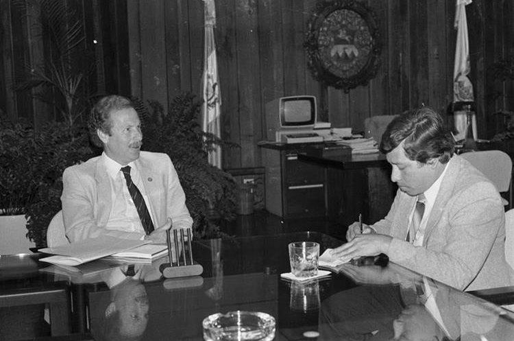 Álvaro Arzú Irigoyen fue político y funcionario público guatemalteco nació el 14 de marzo de 1946 y falleció el 27 de abril de 2018.