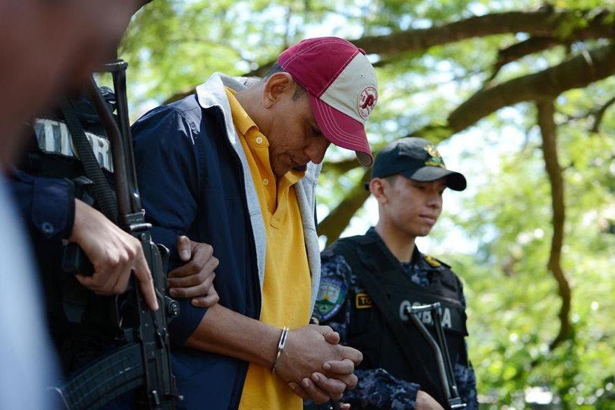 Cabizbajo, Jesús Soto deberá esperar su extradición hacia EE. UU. (Foto Prensa Libre: AFP).