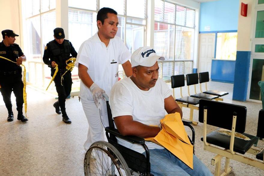 Auner Mérida Ortega, presunto delincuente resultó herido en Retalhuleu. (Foto Prensa Libre: Rolando Miranda).