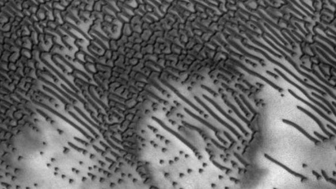 No es la primera vez que se observa la región pero las imágenes recientes muestran más detalles en alta resolución. NASA/JPL/UNIVERSITY OF ARIZONA