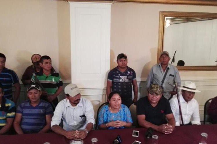 Representantes de 11 comunidades del área de influencia de Oxec, Alta Verapaz, informaron del impacto económico en las comunidades por la suspensión de la Hidroeléctrica Oxec. (Foto Prensa Libre: N. Gándara)