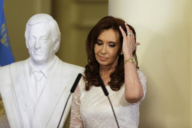 Cristina Fernández, expresidenta de Argentina, es investigada por supuesto soborno. (Foto Prensa Libre: AP).