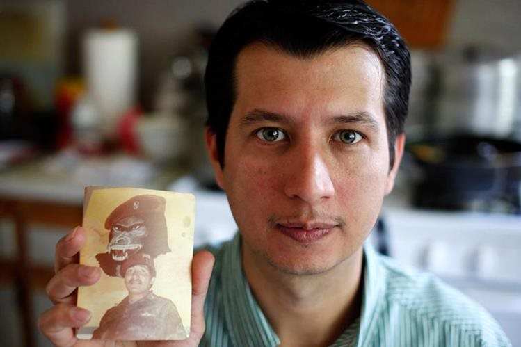 Óscar es uno de los niños arrancados de su familia durante la masacre de Las Dos Erres. (Foto Prensa Libre: Dart Center).
