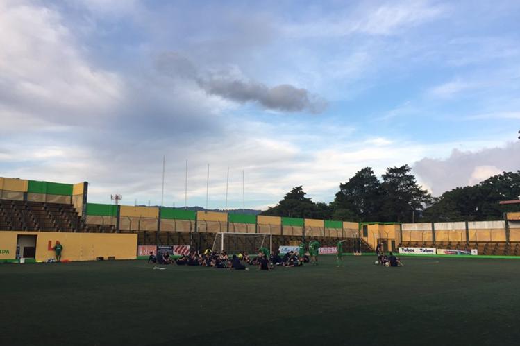 Deportivo Petapa recibirá este viernes por la noche a Comunicaciones en el primer partido del Torneo Apertura 2017. (Foto Prensa Libre: Deportivo Petapa).