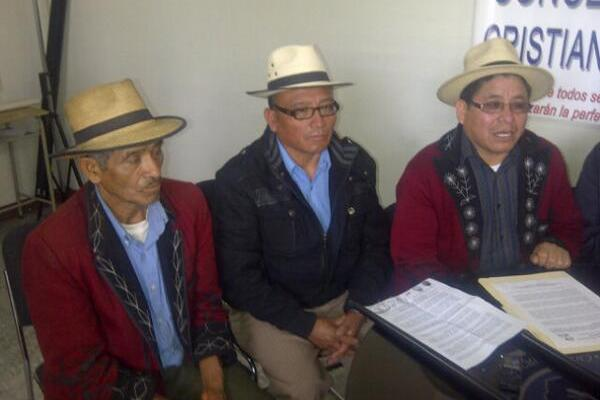 <p>Autoridades ixiles señalan al TSE de provocar problemas a la población. (Foto Prensa Libre: Alex Rojas)</p>