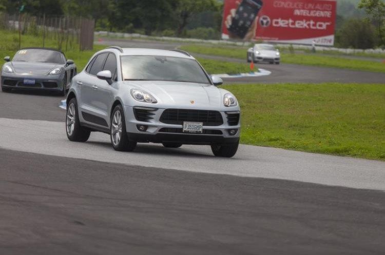La Porsche Macan 2017, en plena acción sobre la pista.<br />