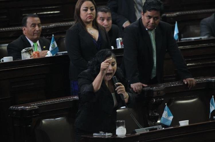 La diputada Delia Bac indicó que está cansada de las acusaciones, estas hacia diputados.