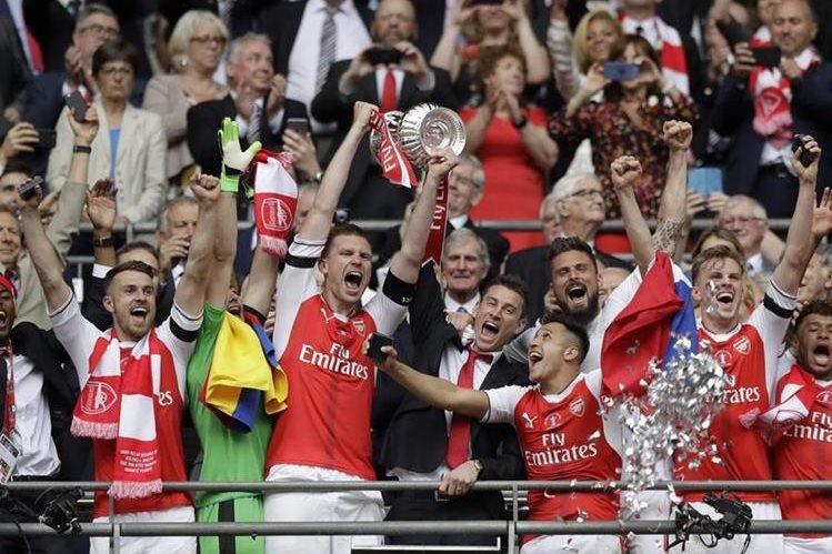 El Arsenal se coronó campeón de la FA Cup frente al Chelsea. (Foto Prensa Libre: AP)