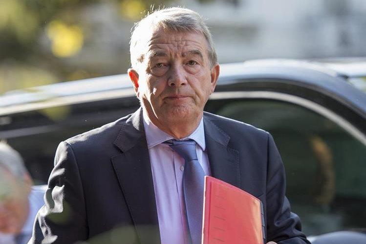 El expresidente de la Federación Alemana de Fútbol y miembro del Comité Ejecutivo de la FIFA, Wolfgang Niersbach aseguró que apelará su suspensión de un año. (Foto Prensa Libre: EFE)