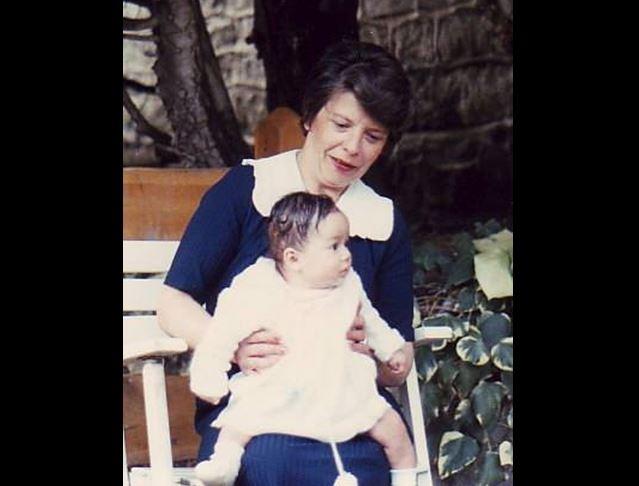 La madre adoptiva de Magné murió en el 2013 a causa de una enfermedad pulmonar.