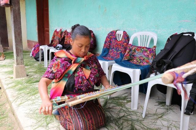 "Mujer que representa a las tejedoras de Quiché.&nbsp;<span style=""font-size: 12px;"">PRENSA LIBRE / HÉCTOR CORDERO</span>"