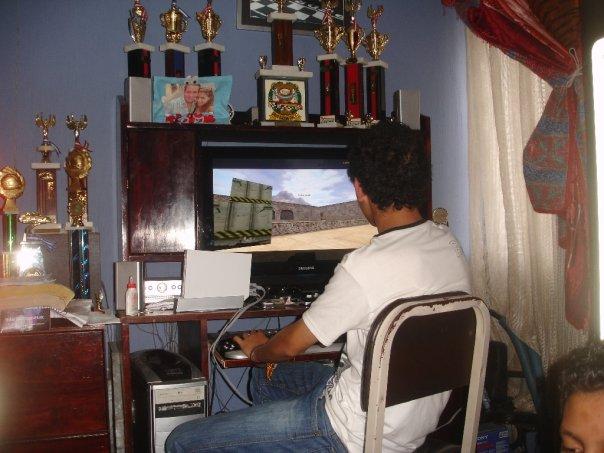 Desde niño uno de sus pasatiempos favoritos eran los videojuegos. (Foto Prensa Libre: Cortesía)