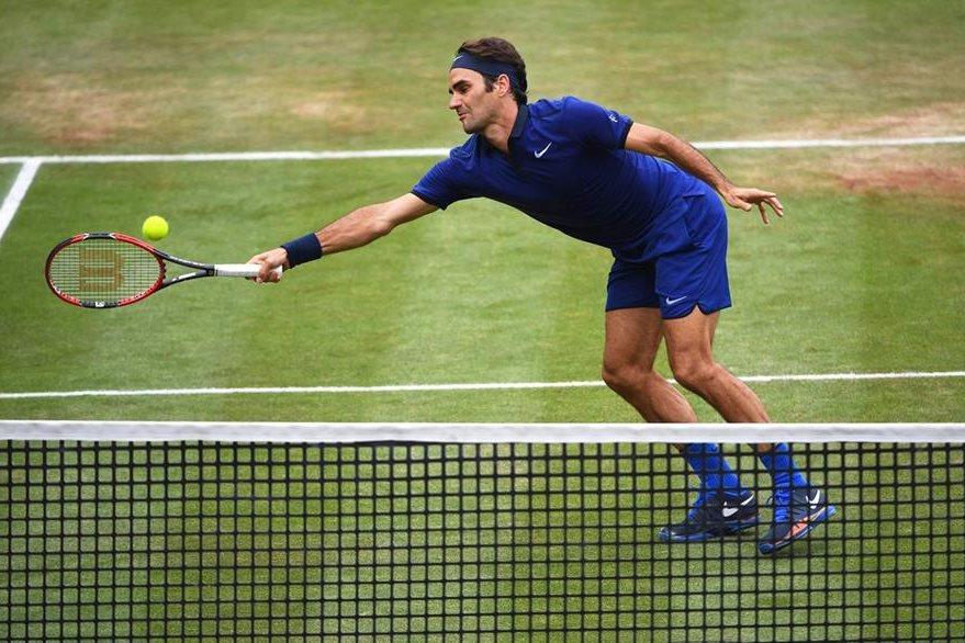 El suizo Roger Federer buscará quedarse con el título en el torneo que se disputa en Alemania. (Foto Prensa Libre: Hemeroteca)