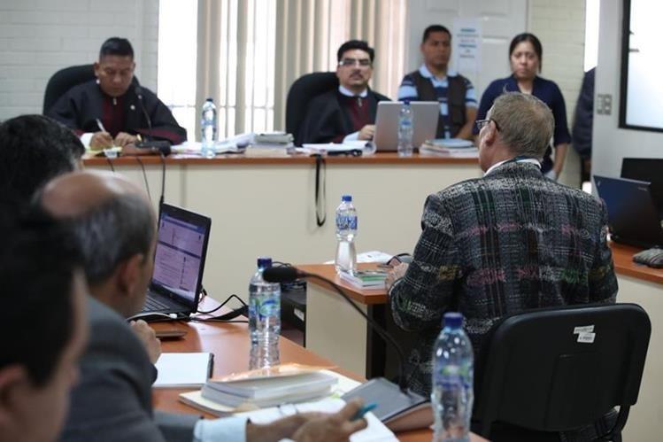 La iniciativa busca que las persecuciones penales por delitos cometidos durante el Conflicto Armando Interno se extingan. (Foto Prensa Libre: Hemeroteca PL)