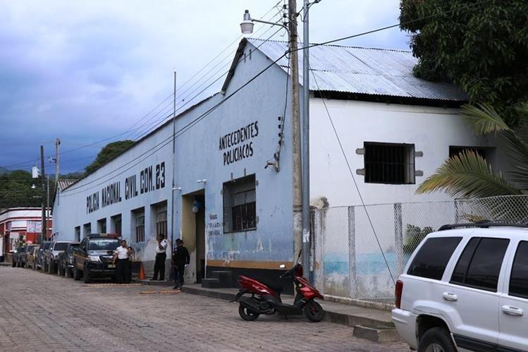 Agentes de la Comisaría 23 de la Policía Nacional Civil (PNC) en Chiquimula efectuaron las investigaciones del caso.