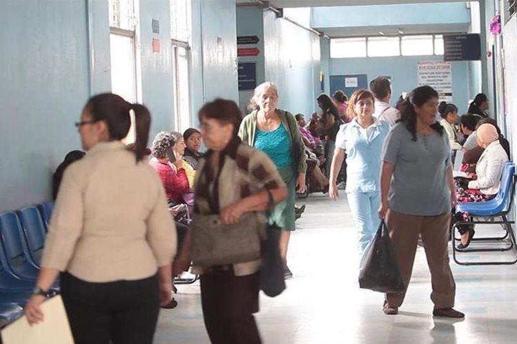 Pacientes de hospitales nacionales corren riesgo de contraer bacterias nosocomiales. (Foto Prensa Libre: Hemeroteca PL)