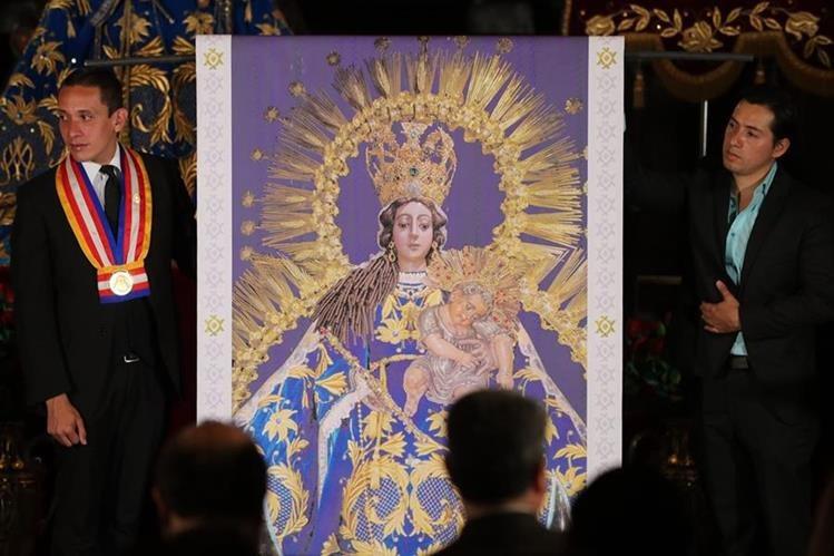 Un mosaico de la virgen del rosario estar en el jardn del vaticano representacin en tamao real del mosaico de la virgen de rosario que ser instalado en los altavistaventures Choice Image