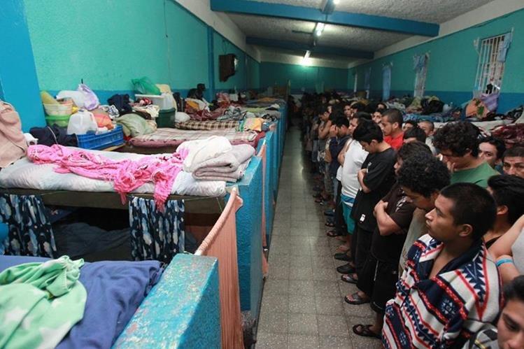 En las 20 cárceles se realizan actividades ilícitas.(Foto Prensa Libre: Hemeroteca PL)