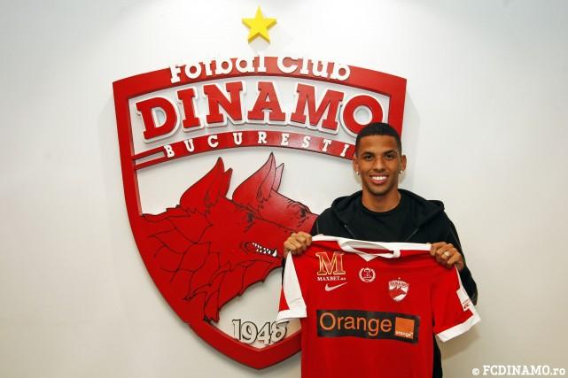 Rivaldinho, hijo del exjugador brasileño Rivaldo, se convirtió en el nuevo jugador del Dinamo de Bucarest. (Foto Prensa Libre: Dinamo de Bucarest)