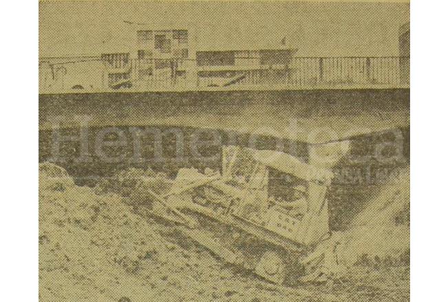 Trabajos de movimiento de tierras bajo el puente de la 7a. avenida en septiembre de 1970. (Foto: Hemeroteca PL)