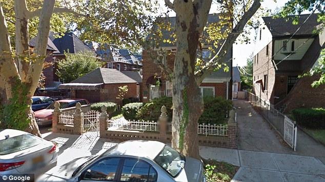 """""""Casa del horror"""" es llamada esta vivienda, donde mujer esclavizó a niños. (Foto del sitio dailymail.co.uk)"""