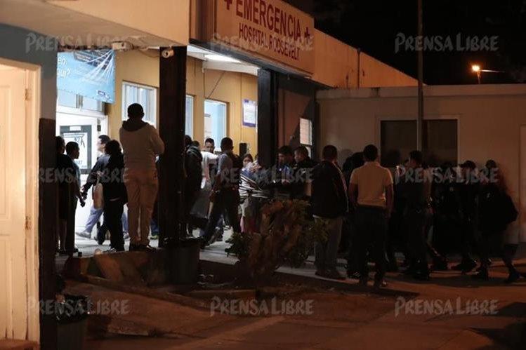 Momento en que el expresidente Otto Pérez Molina es ingresado a la emergencia del Hospital Roosevelt. (Foto Prensa Libre: Juan Diego González).