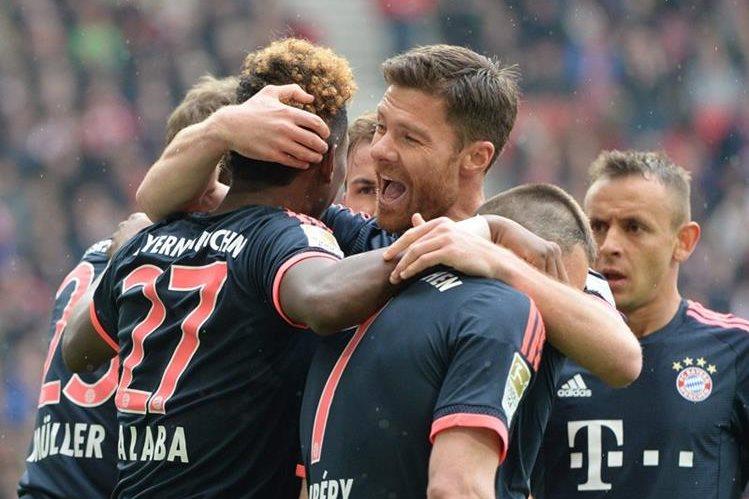 El Bayern Múnich sigue en pide de guerra en la Bundesliga. (Foto Prensa Libre: EFE)