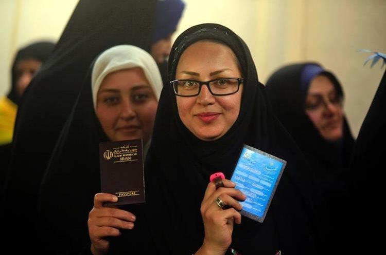 Mujeres iraníes que viven en Iraq también han ejercido su voto.