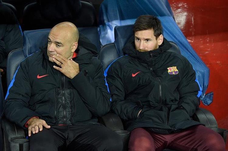 El argentino Lionel Messi observó el partido desde el banquillo.
