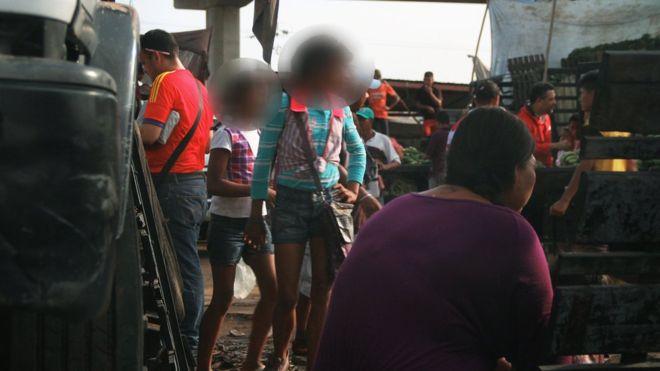 La policía calcula que 20 menores de edad practican la prostitución en el casco central de Maracaibo, al Occidente de Venezuela. HUMBERTO MATHEUS
