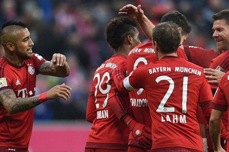 El Bayern Múnich consiguió un triunfo importante en la Bundesliga. (Foto Prensa Libre: AFP)