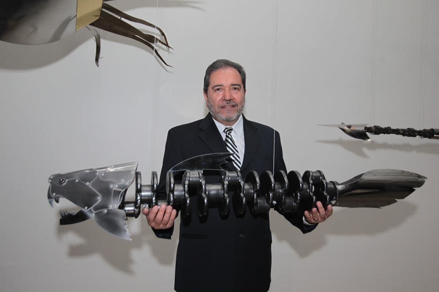 Con la colección Oceánica, Pepo Toledo llama la atención acerca de la contaminación del mar con plástico.  (Foto Prensa Libre: Edwin Castro).