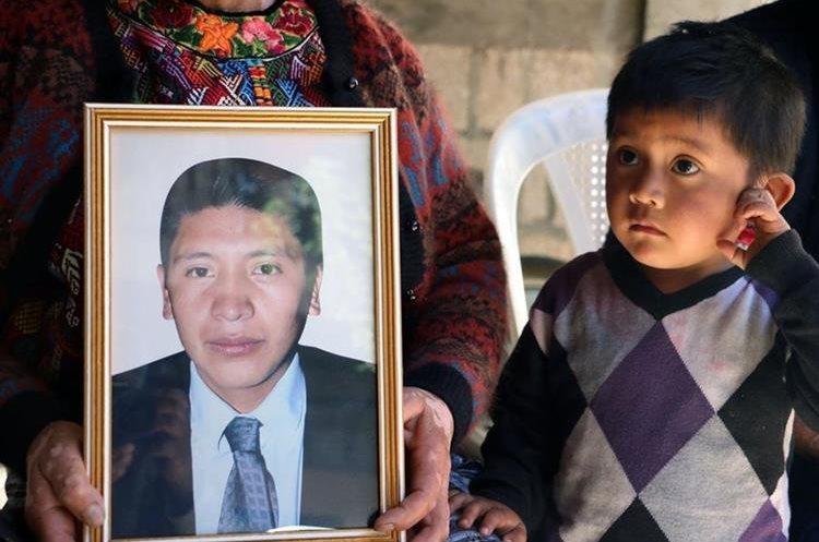 El pequeño Dylan, 3, uno de los hijos del migrante fallecido. (Foto Prensa Libre: Hemeroteca PL)