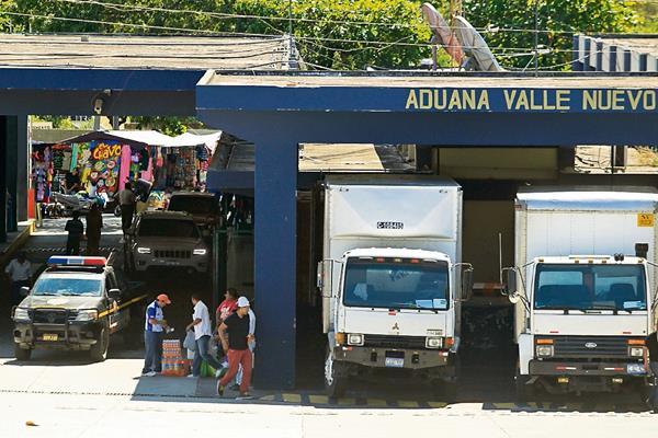 El acuerdo de unión permitirá agilizar el paso de mercancías. (Foto Prensa Libre: Hemeroteca PL)