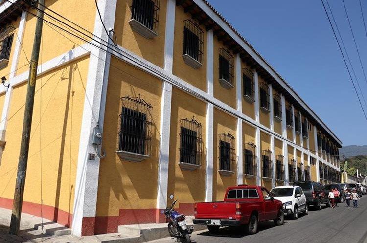 El nuevo edificio escolar albergará a cuatro centros educativos. (Foto Prensa Libre: Julio Sicán)